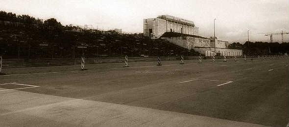 La tribuna principal del Zeppelinflield en 2013. Foto © Tu Gran Viaje