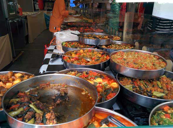La combinación perfecta para una mañana de domingo: mercadillo de MauerPark y buena comida. Foto (c) Tu Gran Viaje