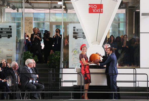 La inauguración del Markthal contribuirá sin duda a reavivar el barrio de Laurens y alrededores de la estación Blaak.