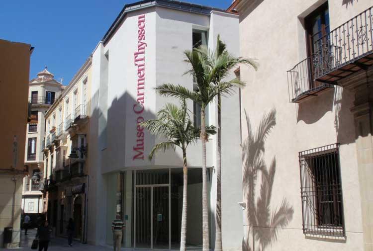 Fachada del Museo Carmen Thyssen de Málaga.