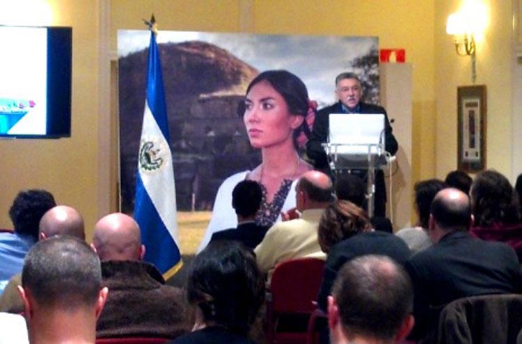 presentación del Informe Anual de Turismo, a cargo de José Napoleón Duarte, Ministro de Turismo
