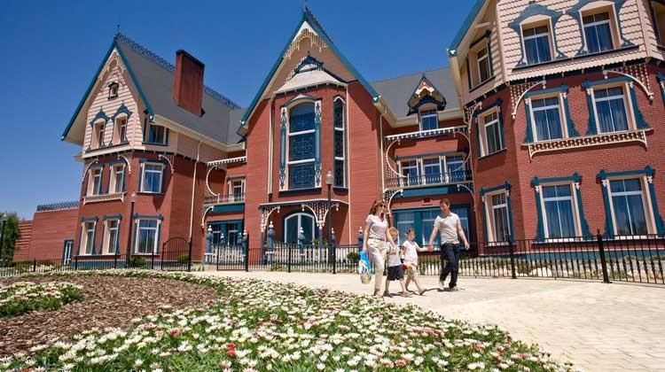 Hotel La Mansión de Lucy en Port Aventura