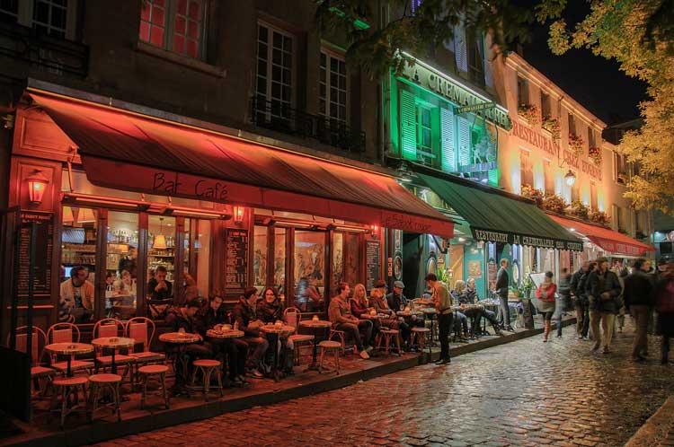 Terrazas en Montmartre, París
