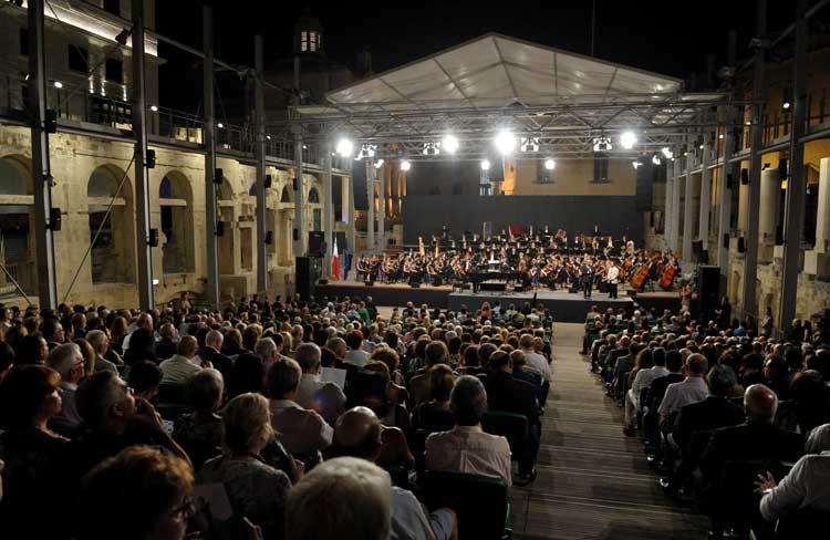 Teatro de la Ópera de Malta en el Valleta City Gate de Renzo Piano