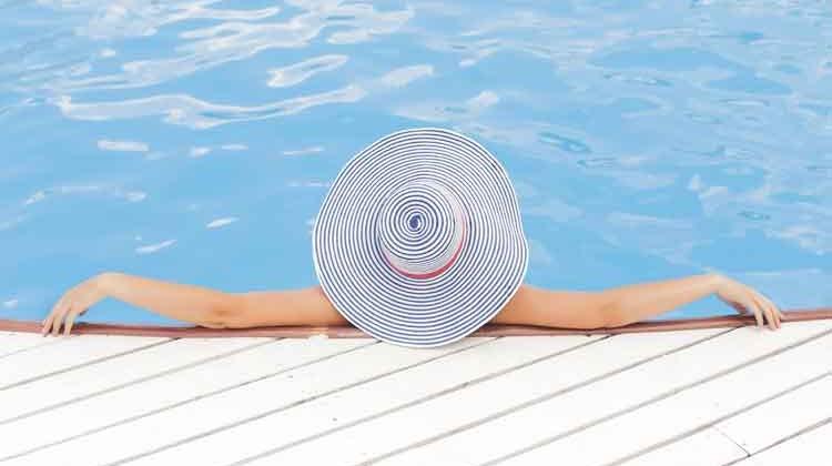 pool-690034750x500