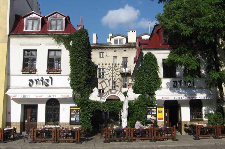 Restaurante Ariel en la Ulica Szeroka, Cracovia. Foto © Jongleur 100