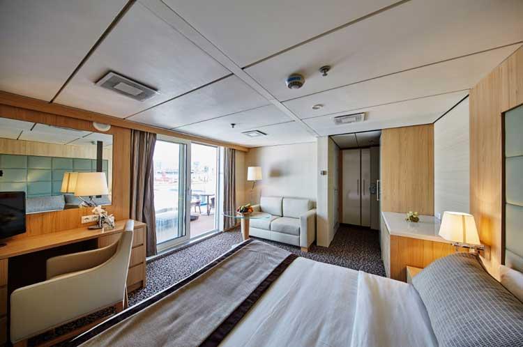 """Suite del MS Ocean Diamond, el buque del crucero """"Mares Vikingos"""" de Island Tours"""