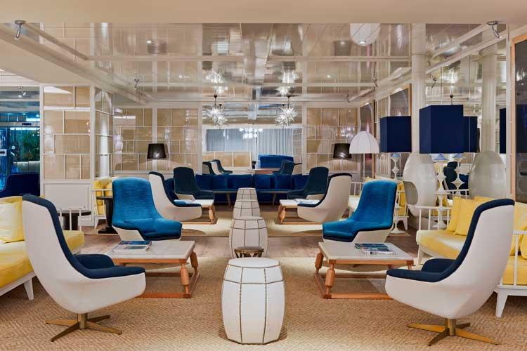 Lobby del hotel H10 Las Palmeras en Tenerife. H10 Hotels en Canarias