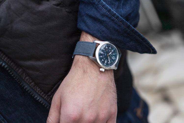 Nuevo reloj Khaki Field Auto de Hamilton. Tu Gran Viaje