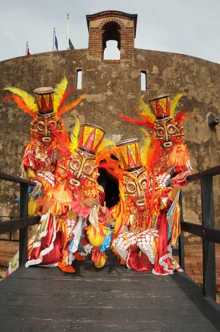 Todo sobre el Carnaval Vegano 2017 en Tu Gran Viaje. revista de viajes y turismo