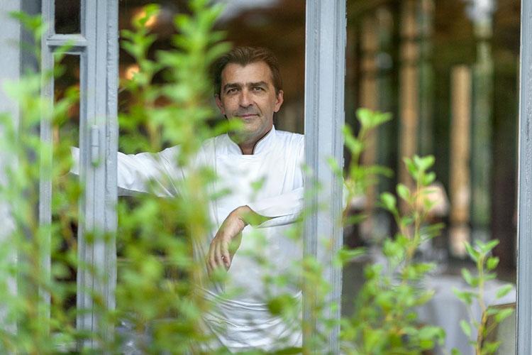Yannick Alléno, chef del 1947. Guía Michelin Francia 2017 en Tu Gran Viaje