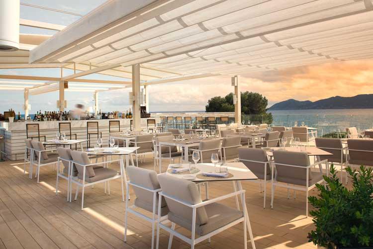 The Rooftop Bar Terrace del Hotel ME Ibiza | Chefs Experience. Tu Gran Viaje