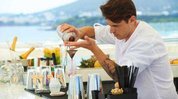 El mixólogo Álvaro Martín, participante en The Chefs Experience del Hotel ME Ibiza | Tu Gran Viaje. Revista de Viajes