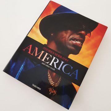 America and other work by Andres Serrano edited by Taschen | Tu Gran Viaje revista de viajes y turismo