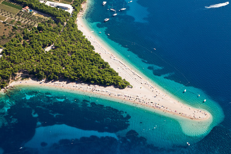 Viajar a la playa de El Cuerno de Oro de Croacia | Tu Gran Viaje revista de viajes y turismo