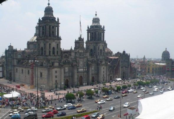 Catedral Metropolitana de Ciudad de México vista desde la terraza del Hotel Majestic en El Zócalo. Foto (c) Tu Gran Viaje