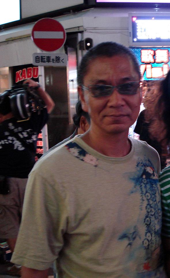 Takashi Miike rodando en el barrio de Shibuya, Tokio. foto Jesus G Marin