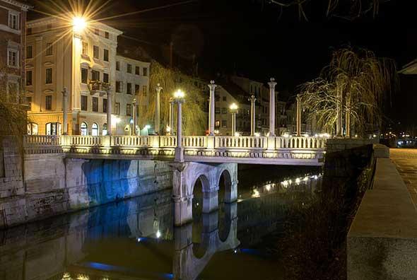 Čevlajrski Most (Puente de los Zapateros) de Ljubijljana, Eslovenia