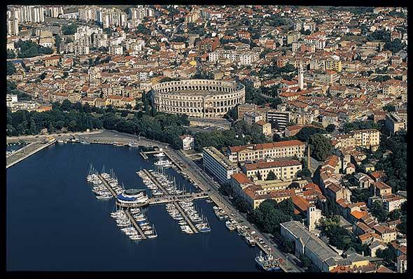 Vista panorámica de Pula, Croacia