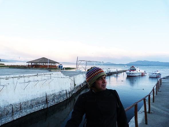 Ronaldo Menéndez en el Lago Titicaca