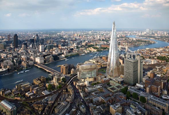 Vista aérea de Londres con The Shard en primer plano