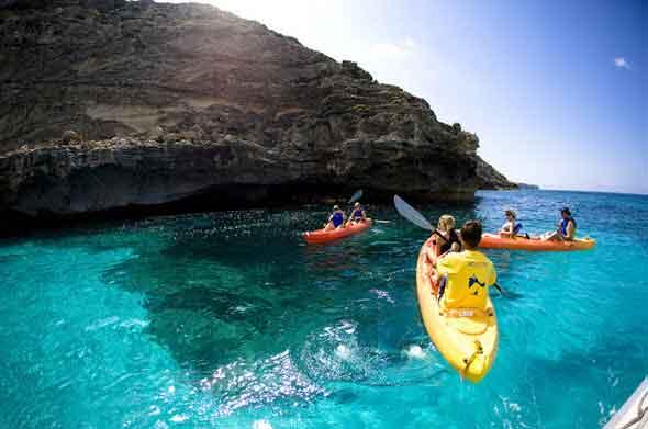 Formentera en kayak es disfrutar de una manera muy lúdica de la isla