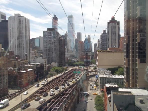 El teleférico Roosevelt Island Tram conecta el Upper East Side con la isla Roosevelt. ¡Nos encanto!