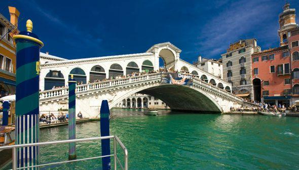 El Puente del Rialto de Venecia en la actualidad