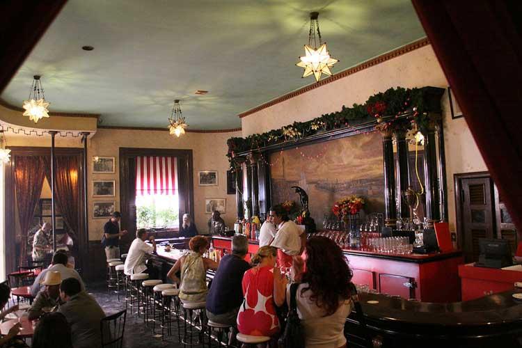 Floridita Bar. Hemingway en La Habana | Revista Tu Gran Viaje