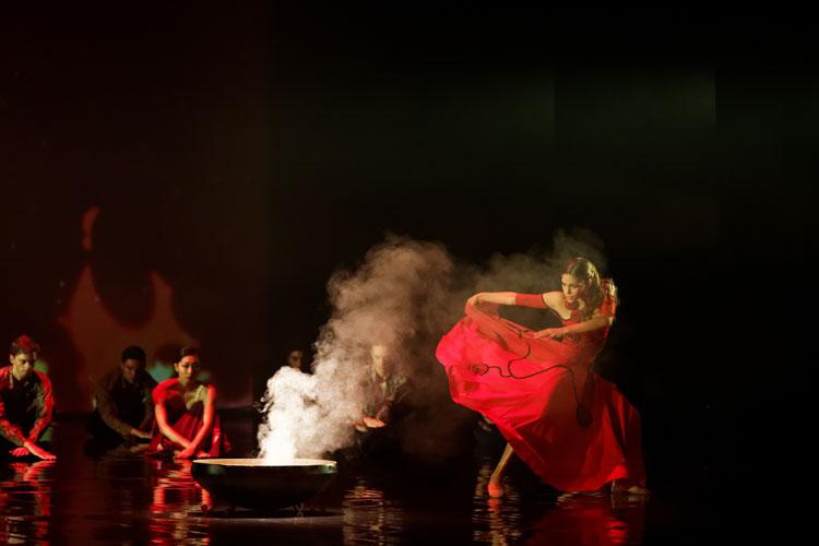 VÍCTOR ULLATE LLEVA EL AMOR BRUJO DE FALLA AL TEATRO REAL EN EL CENTENARIO DE SU ESTRENO El Víctor Ullate Ballet- Comunidad de Madrid actuará en el Teatro Real los días 29 y 30 de diciembre y los días 2 y 3 de enero.