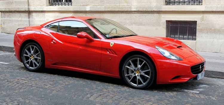 Regala un curso de conducción de un Ferrari o un Lamborghini con PlanB!