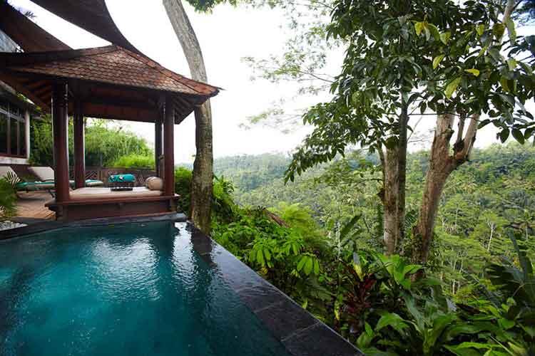 La impresionante Family Room del Kupu Kupu Barong de Bali.