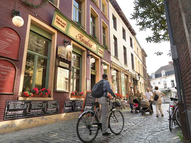 Barrio de Patershol, Gante. Foto © Milo Profi