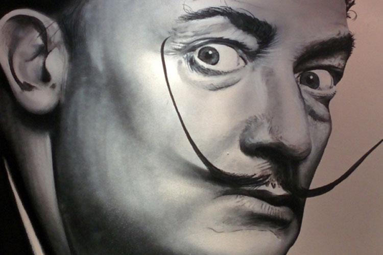 Salvador Dalí en Niza. Foto © Tu Gran Viaje