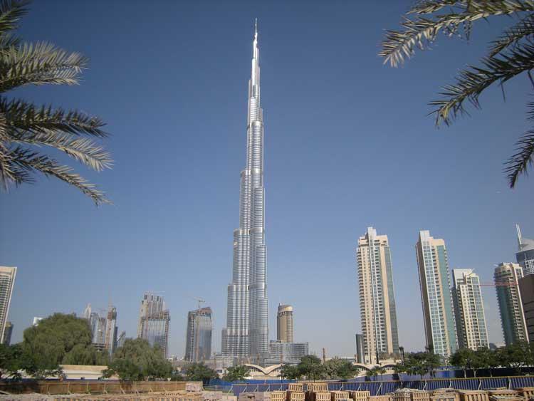 Panorámica del Burj Khalifa de Dubai. Foto CC de Neumann Ciuffo.