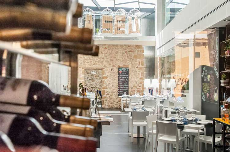 Interior del restaurante La Seu de Denia