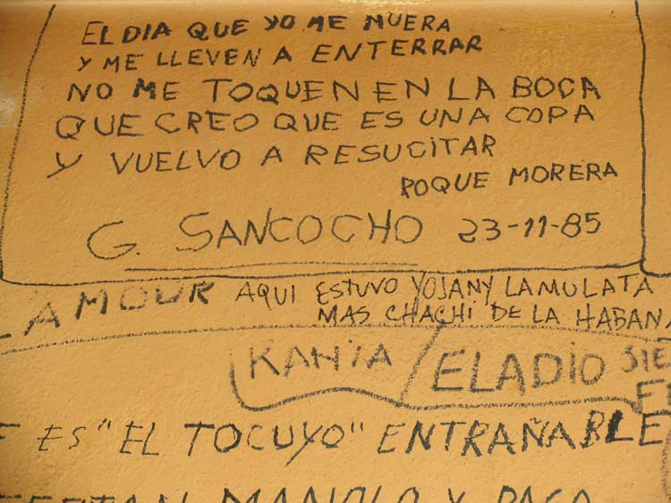 Poesía callejera en La Laguna, Tenerife. Foto © Jesús García Marín