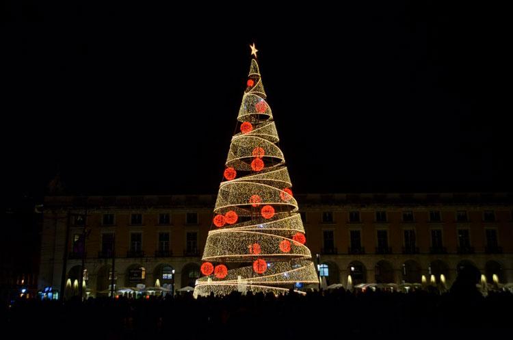 La Plaza del Comercio, epicentro de la celebración de la Navidad en Lisboa