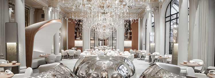 Salón de Alain Ducasse au Plaza Athénée, nuevo restaurante de tres estrellas en la Guía Michelin Francia 2016