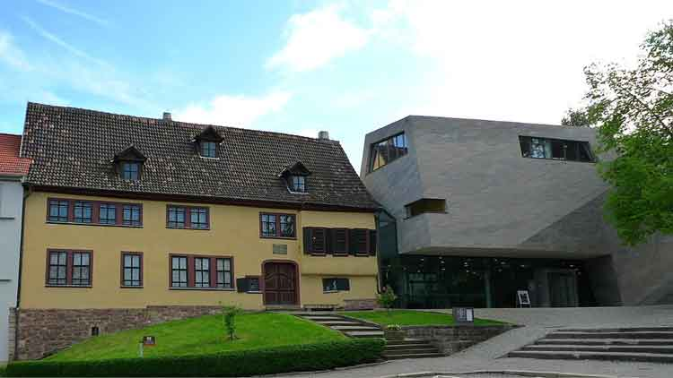 Fachada de la Bachhaus de Eisenach. Foto creative commons de Hanz Weingartz