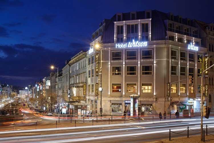 Fachada del Hotel Occidental Praha Wilson