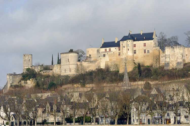 Château de Chinon visto desde la orilla del río Vienne. Foto CC Franck Badaire. Tu Gran Viaje por el Valle del Loira