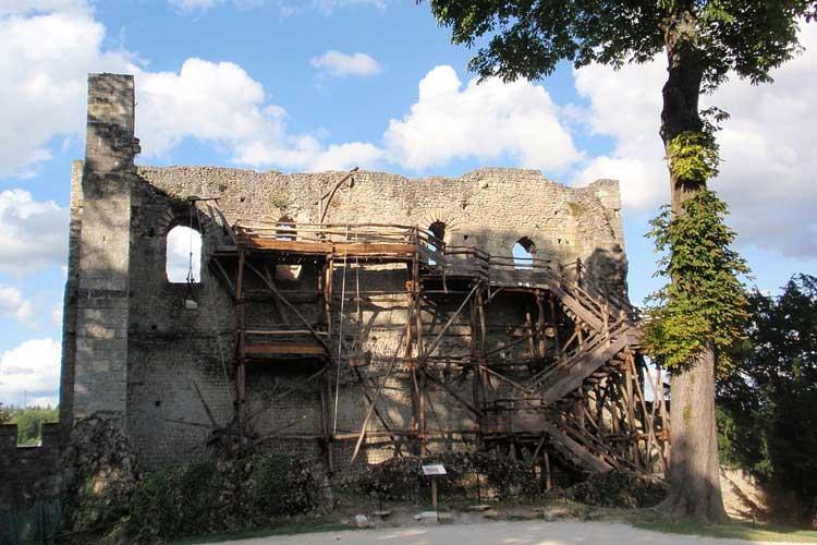 Torreón defensivo del Chäteau de Langeais. Foto CC Thomas Pusch. Tu Gran Viaje por el Valle del Loira.