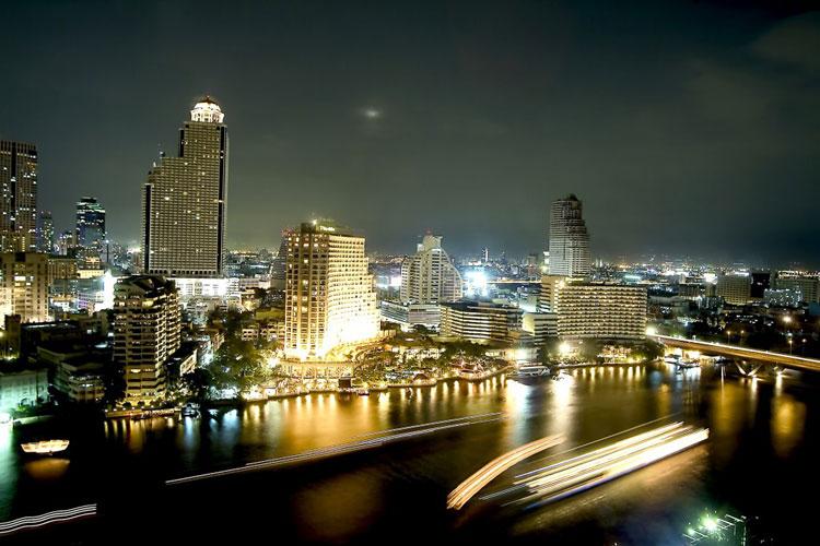 Panorámica nocturna de Bangkok. Turismo para todos en Tu Gran Viaje