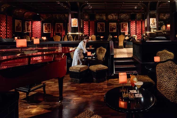 Churchill Bar