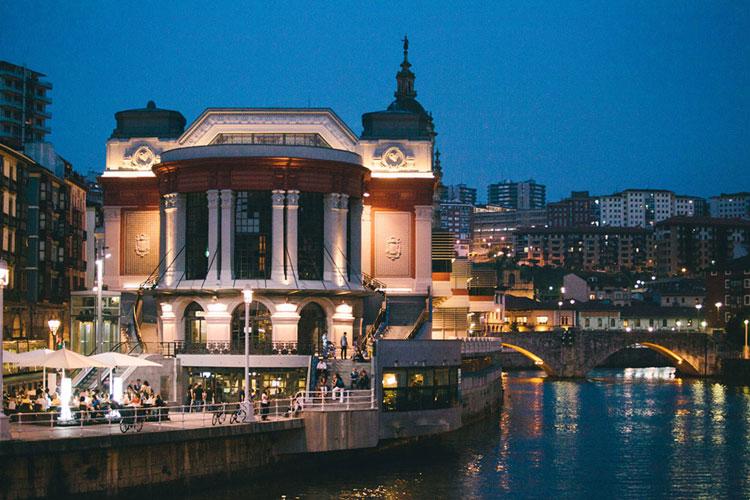 Mercado de la Ribera, Bilbao | Las Mejores terrazas de verano en Tu Gran Viaje