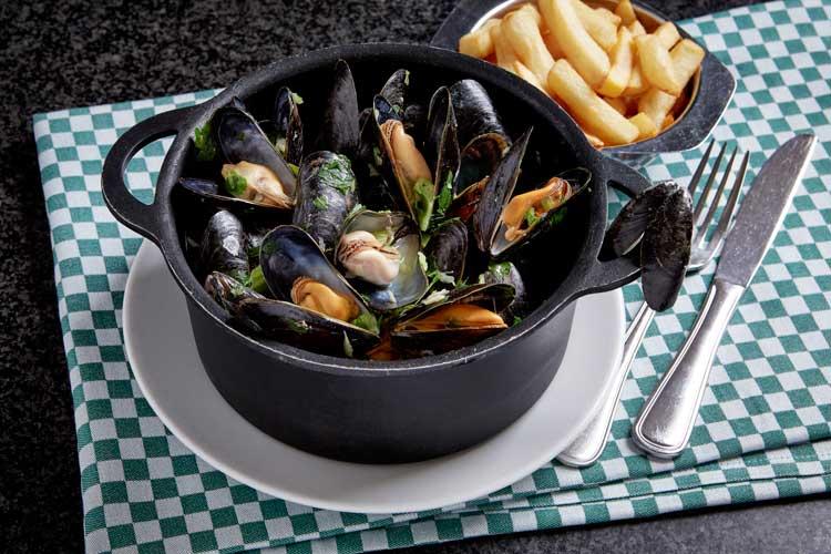 Los famosos mejillones del restaurante Chez Leon de Bruselas | Tu Gran Viaje revista de viajes y turismo