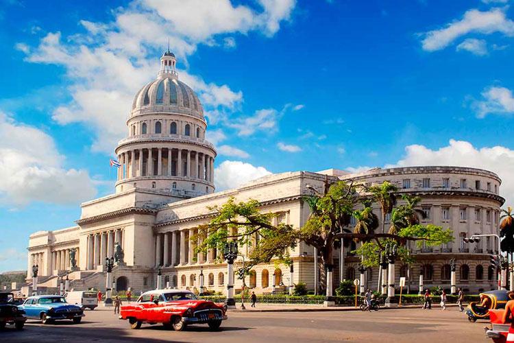 Capitolio de La Habana. © Regien Paasen / Shutterstock. Tu Gran Viaje a La Habana