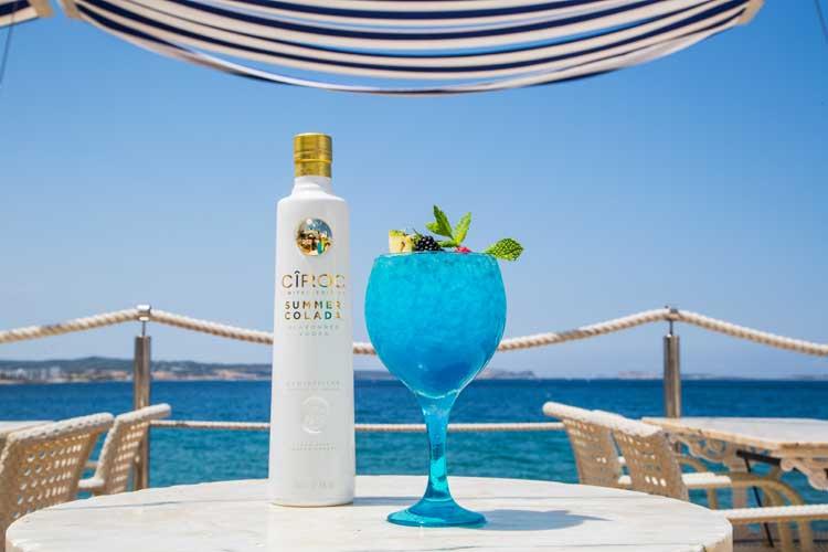 Cóctel Summer colada. Café del Mar, Ibiza | Cool Ibiza. Tu Gran Viaje