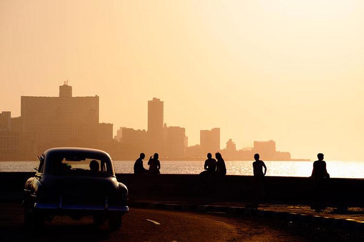 El Malecón de La Habana. © Diego Cervo / Shutterstock. Tu Gran Viaje a La Habana
